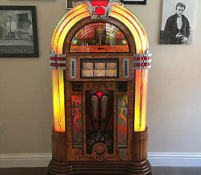 SOUND LEISURE CD JUKEBOX  - Broadway Melody II - Only 9 Months OLD!!!