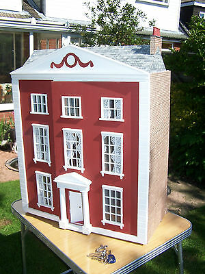 Lovely Large Dolls House With Electric Lights