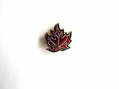 CANADA Maple Leaf Pin (T017G)