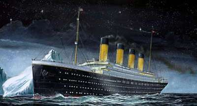 Revell 05804 RMS Titanic 1:1200 Small Scale Ship Kit 4009803058047