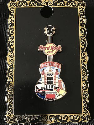 Hard Rock Cafe Amsterdam City T-Shirt Gitarre Pin