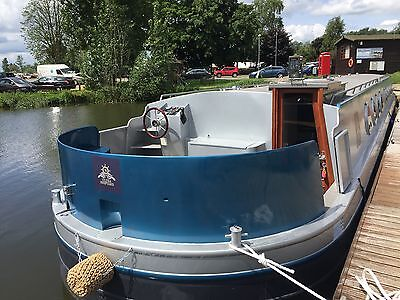 Widebeam houseboat 70 ft  x 11.2 ft floating apartment, canal boat