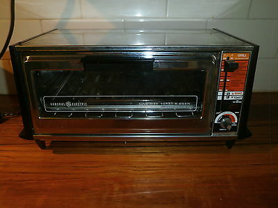 GE TOAST-R-OVEN (GENERAL ELECTRIC) ~ CHROME & WOOD-GRAIN ~ VINTAGE RETRO 1970's