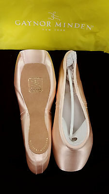 Gaynor Minden Pointe Shoe, Size 8.5W, Yellow Bag, 4-121-33, Womens Pink