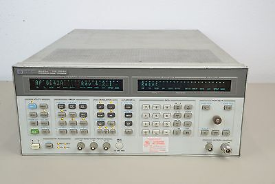 Hewlett Packard HP 8643A Synthesized Signal Generator 0.26-1030 Hz (D)