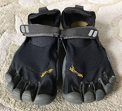 Men's Vibram Five Finger Flex Toe Black Mesh Water Shoe Size 41