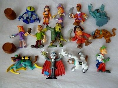 Scooby Doo Bundle  Of Figures - The Gang And Some Baddies / Villains