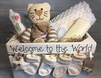Baby Gift Basket/Hamper Neutral Unisex,Nappy Cake,Baby shower,New baby Hamper