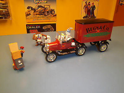 Ertl Warner Bros. 1918 Ford  Cab And Trailer  With Bugs Bunny,taz And Daffy Duck
