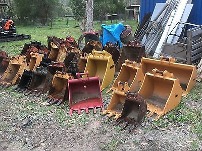 used excavator buckets, many to choose from CHEAP CHEAP CHEAP starting at $200