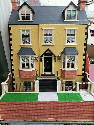 Dolls house 12th scale. Wooden