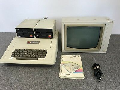 Vintage Apple II Computer A2S1-67259 A2S0032 | Tested & Working!