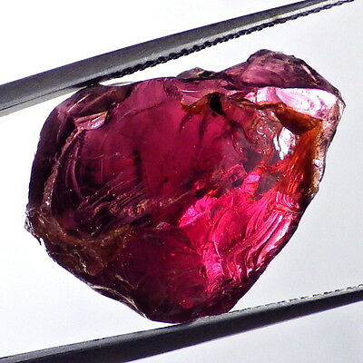 PYRALSPITE GARNET-E.AFRICA 23.72Ct MAGENTA+PINK COLOR-TRANSPARENT / FACET GRADE
