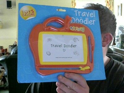 Travel Doodler Etch A Sketch Variant Great Gift! R U The Next Tony Hart?