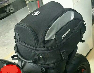 Colin mochila moto. Motorcycle rear bag.