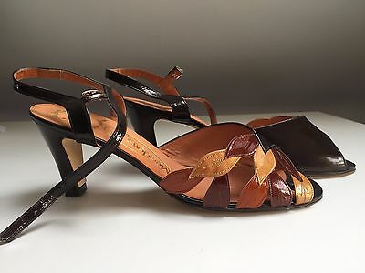 Beautiful New Ladies Vintage 1970/80's Patent Brown and Gold  Size 7