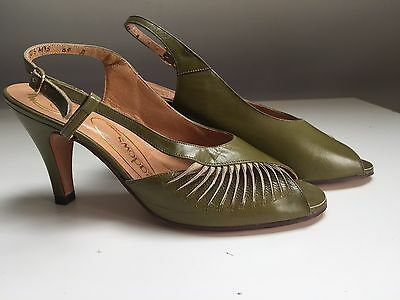 Beautiful  New Ladies Vintage 1970/80's Leather Green  Shoes  Size 4