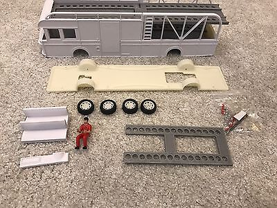 1/32 Slot Car Transporter Truck