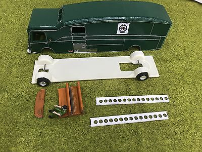 1/32 Slot Car Transporter Yardley BRM