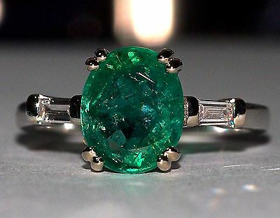Brand New 2.20ct  Natural Colombian Emerald and Diamond 18K White Gold Ring