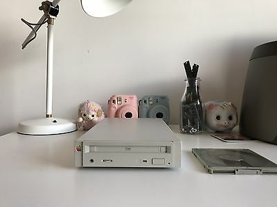 Apple CD150 (Vintage Macintosh Apple CD Drive Rare Vintage Working)