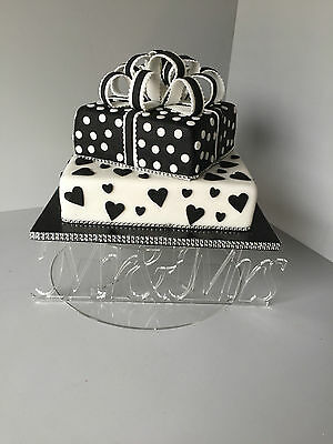 Single Tier round cake stand for weddings of all variations