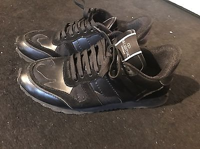 Valentino Black Camo Wings Runner Low Top Sneakers UK Size 9