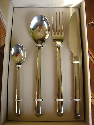 Lovely Papaya Homewares cutlery set - 16 pieces 18/10 stainless steel.