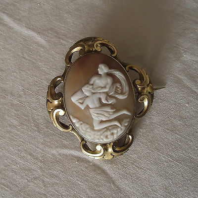 Beautiful Victorian Carved Shell Cameo Brooch Mythological
