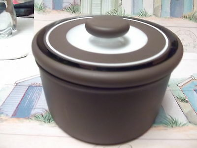 Hornsea Contrast Butter dish with knob on lid. There is no striped band to base