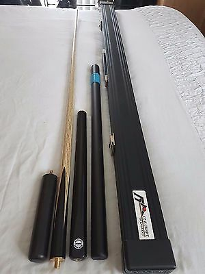 Maximus Premium Cue Absolutely Stunning, Cue Craft case and extensions included.