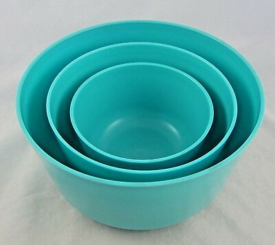 Vintage Turquoise Blue Plastic Mixing Bowls Set of 3 Nesting by Flambo-Ware