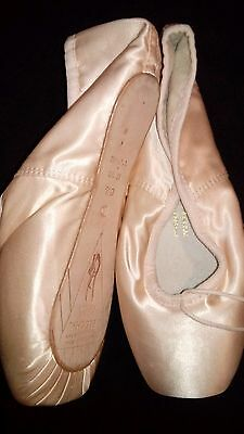 Bloch Ballet Pointe Shoes SYLPHIDE womens size 6 1/2 Not Been Worn