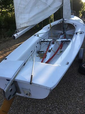Kestrel sailing dinghy and combi-trailer