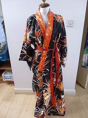 vintage  Oriental pretty floral polyester silky lined  kimono gown/robe   M/L