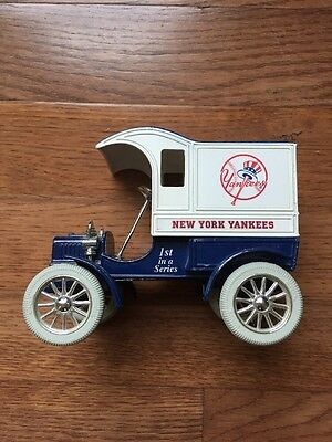 1993 NEW YORK YANKEES Baseball ERTL American Pastime Series DIE CAST BANK