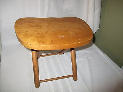 Vintage Nevco 1950's Antique Fold'n Carry Wooden (Maple) Stool Camping Fish Sit