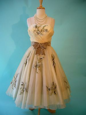 1950s DIVINE Confection PAB Original Bombshell Silk 3D Roses Full Circle Dress