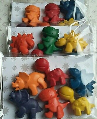 Dinosaur shaped crayons. 6 pack