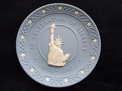 Vintage Wedgwood collector plate In Celebration of Liberty 1886 - 1986 England