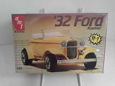 AMT '32 Ford Roadster 2 in 1 1:25 Scale - Sealed