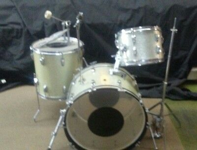 Vintage 1964 Silver Sparkle Ludwig Drumset with some original hardware