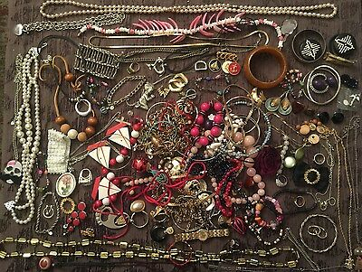 BIG Jewelry Lot Vintage Rings Necklaces JL 0034