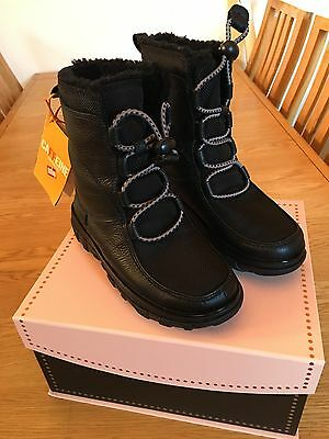 Fitflop Sporty Toggle Laced Mukluk Boots in Black Leather - Adult size 3