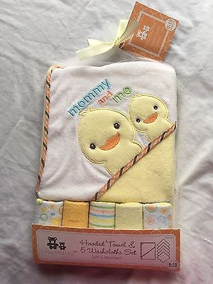 Hooded Towel & 5 Washcloth Gift Set Shower Ducks Bath Baby Neutral Yellow Orange