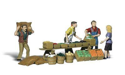 Farmer's Market + Accessories - HO Model Train  - Assembled & painted - Woodland