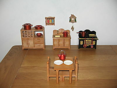 Sylvanian Familes Home sweet home kitchen with rare cuckoo clock & spice rack