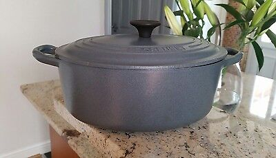 LARGE Lidded LE CREUSET Grey CHARCOAL Enamel Casserole CAST IRON Dish 23cm