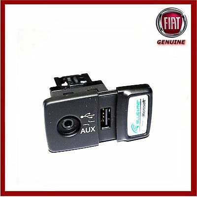 Genuine Fiat 500 Panda Punto Blue & Me USB Media AUX Socket 735547937. New!