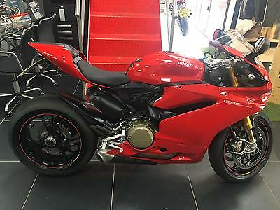 Ducati 1299S Panigale Red 2016 Bike And Only 1900 Miles !!!